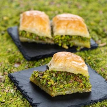 Traditional Turkish Special Pistachio Baklava 500g